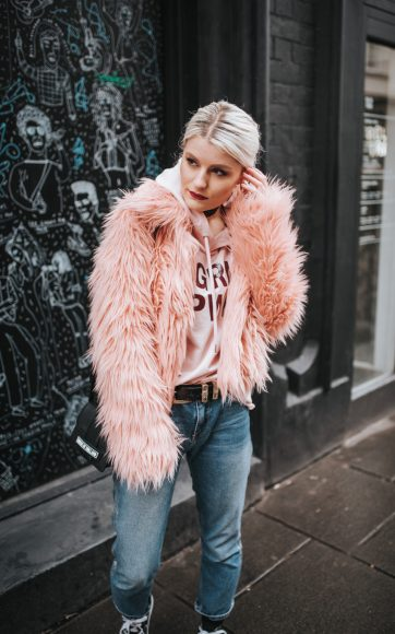 Fashion blogger photoshoot
